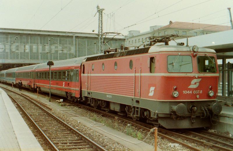 30-62.JPG