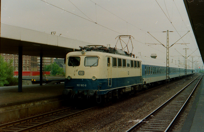 61wup18-610.jpg