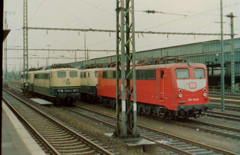 61wup18-68.jpg